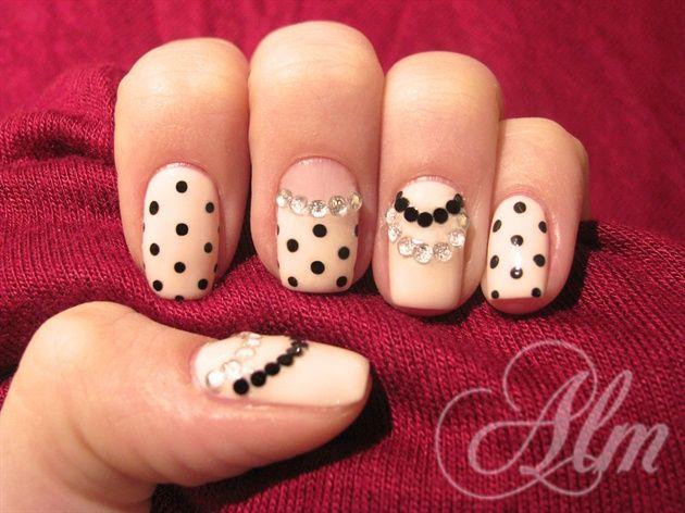 Elegant dots ^^ - Nail Art Gallery nailartgallery.nailsmag.com by nailsmag.com #nailart