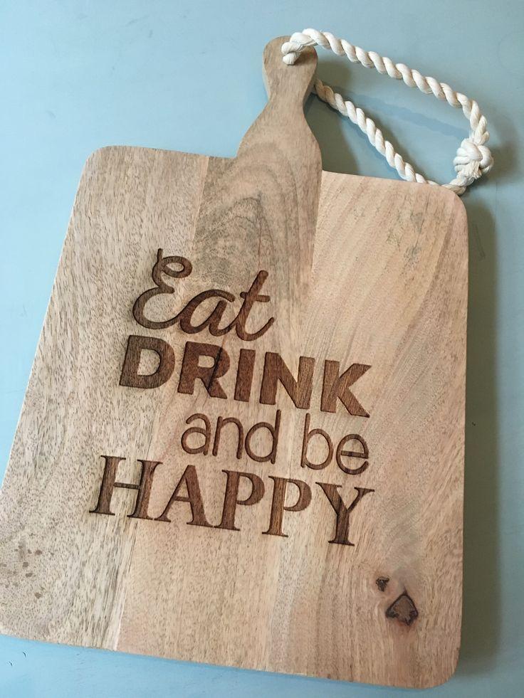 Woorden zeggen genoeg: jouw tekst op een houten snijplank = ideaal cadeau!