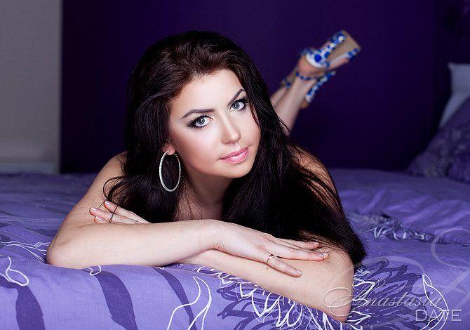 Real Russian girl Tatyana from Kiev, 35 yo, hair color Chestnut