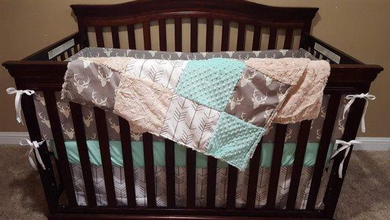 Bebé cuna ropa de cama Buck gris flechas Tan blancas