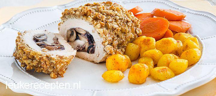Gevulde kip met een korstje van walnoten. Heerlijk!
