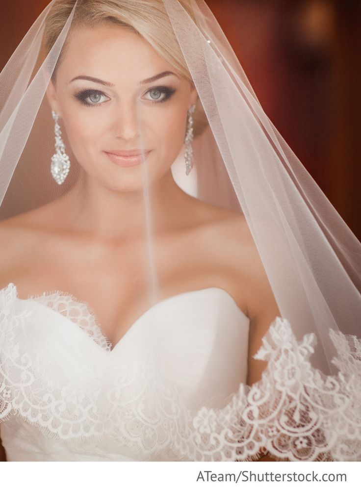 Brautschleier mit Spitze für russische Hochzeiten