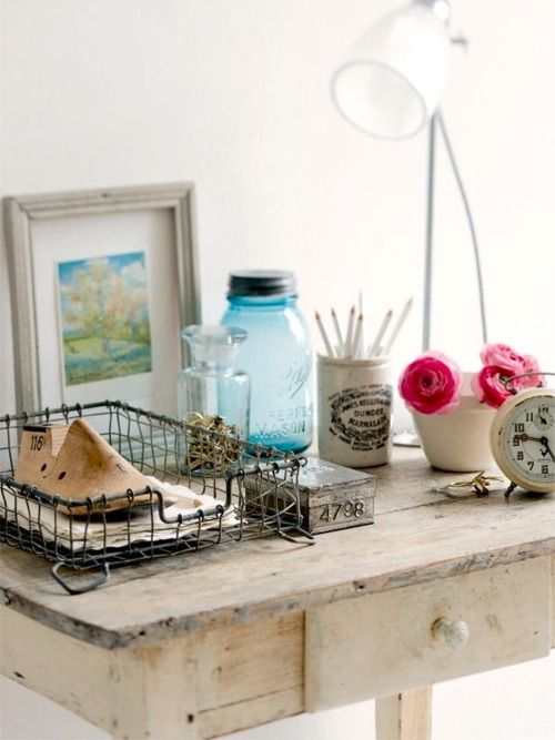 .: Living Rooms, Paper Weights, Vintage Wardrobe, Vintage Furniture, Wire Baskets, Deco Vintage, Desks Spaces, Jars, The Wire