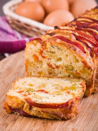 Cake salé chèvre et poivrons : Recette de Cake salé chèvre et poivrons - Marmiton