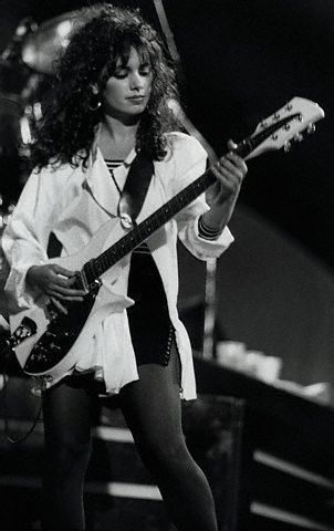 ...Suzanna Hoffs of The Bangles.