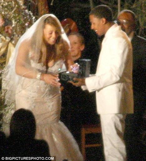 Mariah Carey Nick Cannon This Picture Is From The 2010 Renewal Of Their Vows
