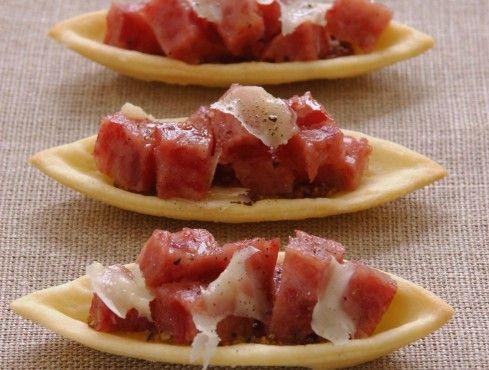 barchette al grana con cotechino e lenticchie