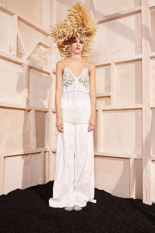 PE 2017 Inspiration mariage: les robes blanches de la Fashion Week 1