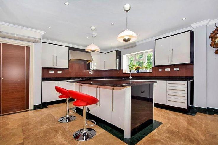 Tudor Avenue, Worcester Park - 6 bedroom detached house - Barnard Marcus