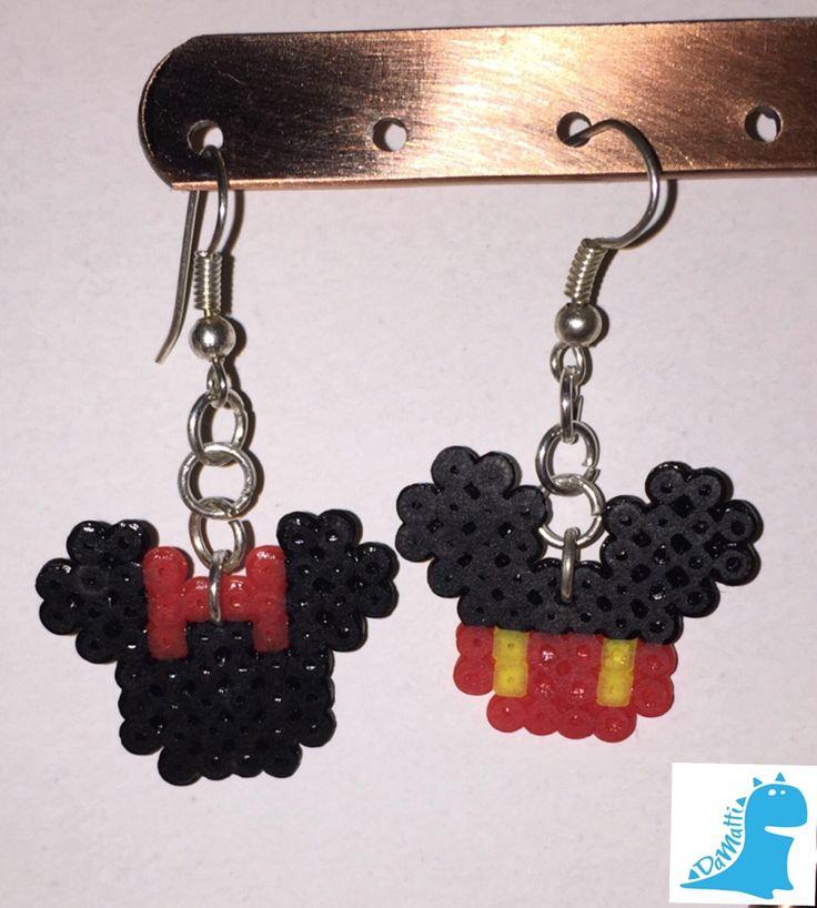Un preferito personale dal mio negozio Etsy https://www.etsy.com/it/listing/264907992/orecchini-topolino-e-minnie-hama-beads