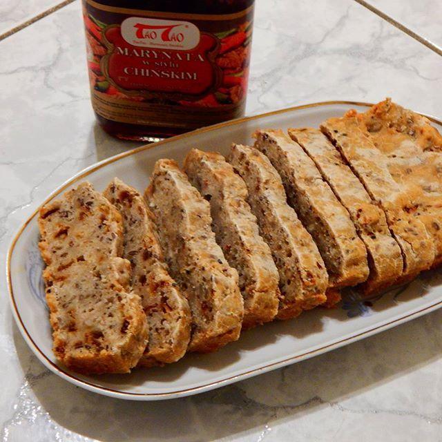 @taotao_harmoniasmakow #taotao #zawszesmacznie  mini chlebek z cebulką marynowaną i z odrobiną marynaty dodanej dodatkowo dla smaku do wyrabianego chleba