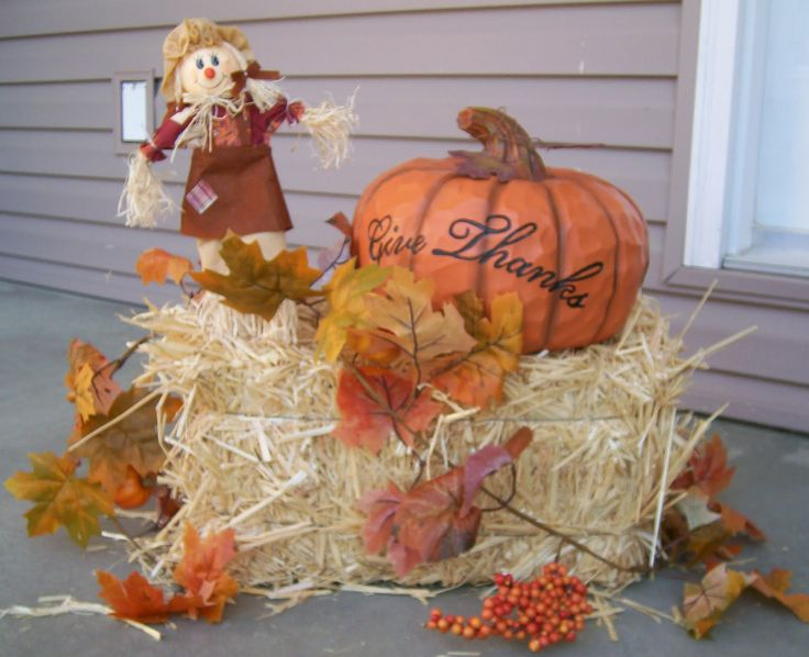 Perfect Decorate Your Front Porch With Hay Bales | Beauty Broadcast: Fall  Decorations!