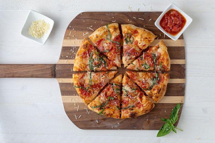 Ναι αυτή είναι η καλύτερη χειροποίητη πίτσα ψημένη σε ξυλόφουρνο που δοκιμάσαμε στα ανατολικά της πόλης.
