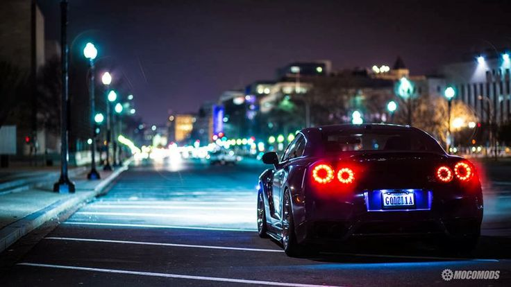 What would you do with a GT-R? Night time crusin' of ...