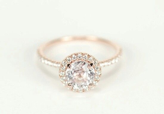 SOOO Gorgeous makes me wanna get married right now! oh, and a husband would be a nice bonus to the ring. :)