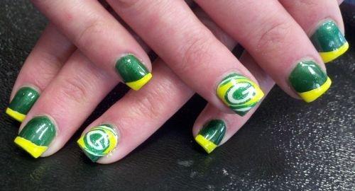 Day 22: Green Bay Packers Nail Art - - NAILS Magazine