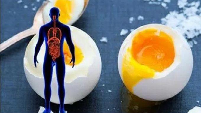 Pred niekoľkými rokmi zdravotníckej organizácie z celého sveta varovali obyvateľstvo o obsahu cholesterolu vo vajciach. Rovnako ako u avokáda alebo kokosového oleja, všetci verili, že aj vajcia sú nebezpečné, čo sa cholesterolu týka a ohrozujú