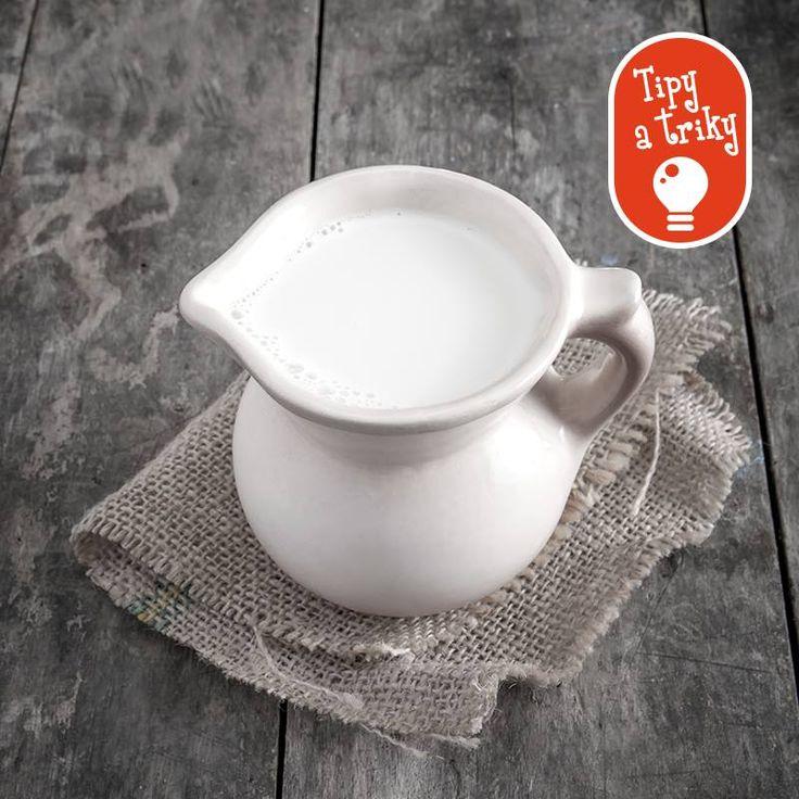 Ako zabrániť tomu, aby sa vám mlieko pri prevarení rýchlo nepripálilo? Vypláchnite pred varením hrniec studenou vodou.