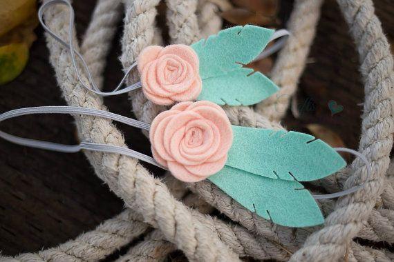 Fieltro flor diadema mamá y yo plumas por PACraftsfromtheHeart