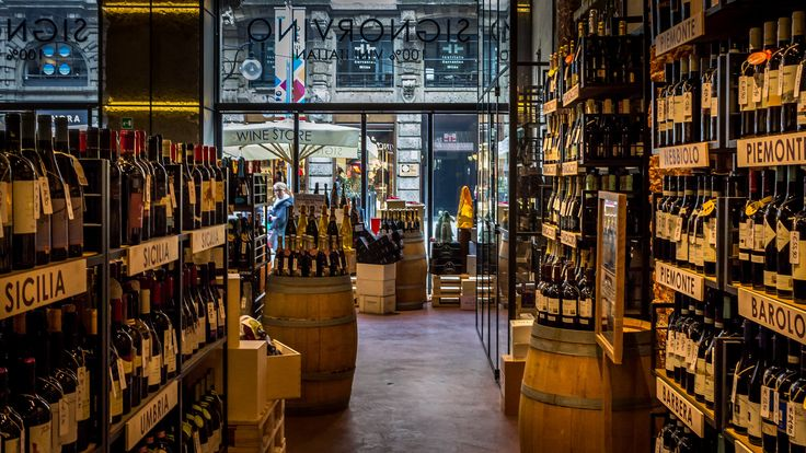 Signorvino Wine Store   by Niklas Rosenberg #Milan #Italy