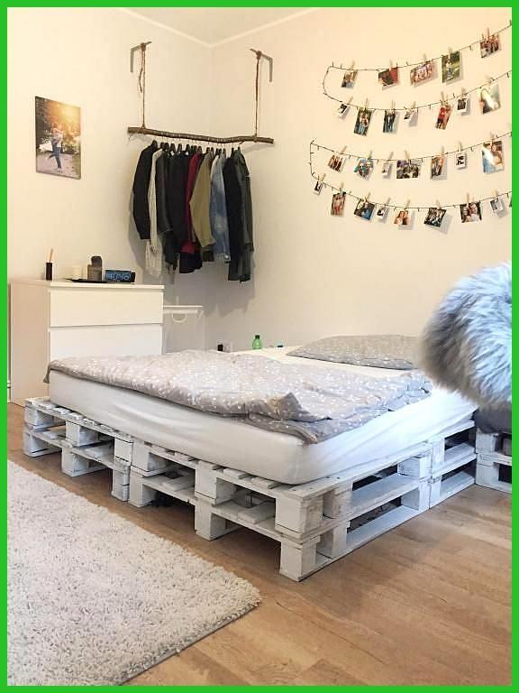 Tolles 1wg Zimmer Mit Palettenbett Und Diy Kleiderstange Wgzimmer Schlafzimme 1wgzimmer Diykleidersta Palettenbett Diy Kleiderstange 1 Zimmer Wohnung