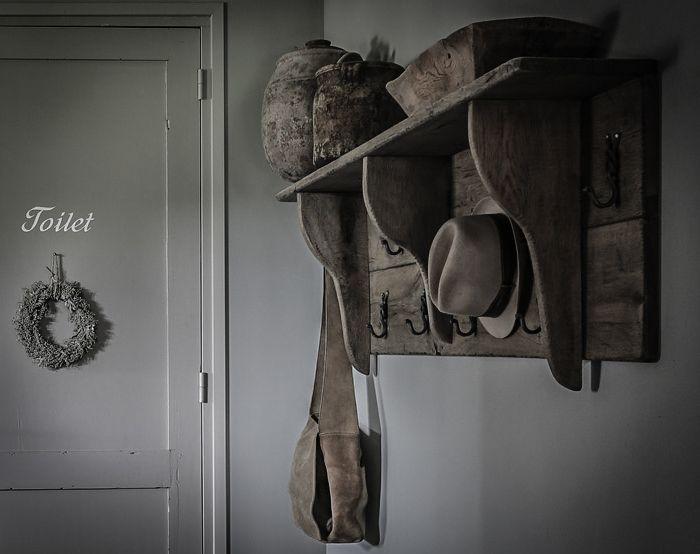 17 best images about bijzondere decoratie kapstokken on pinterest grey hallway the hook and - Restyle houten trap ...