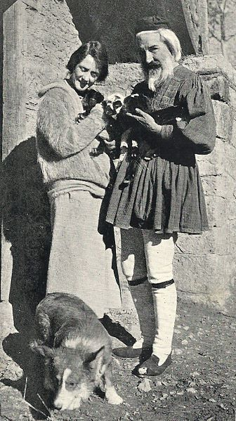 [Grèce en vogue: A New Wave of American Philhellenism in the 1920s].       Susan Glaspell and George Cram Cook in Greek shepherd's clothes, ca. 1923.