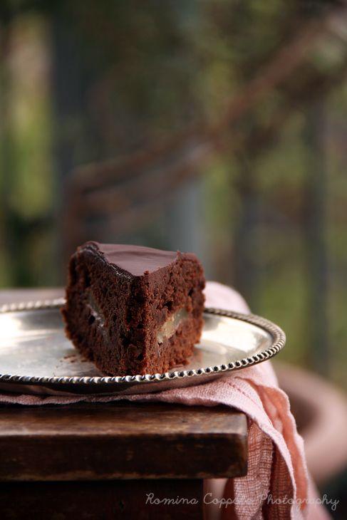Torta vegan, al cioccolato e pere.
