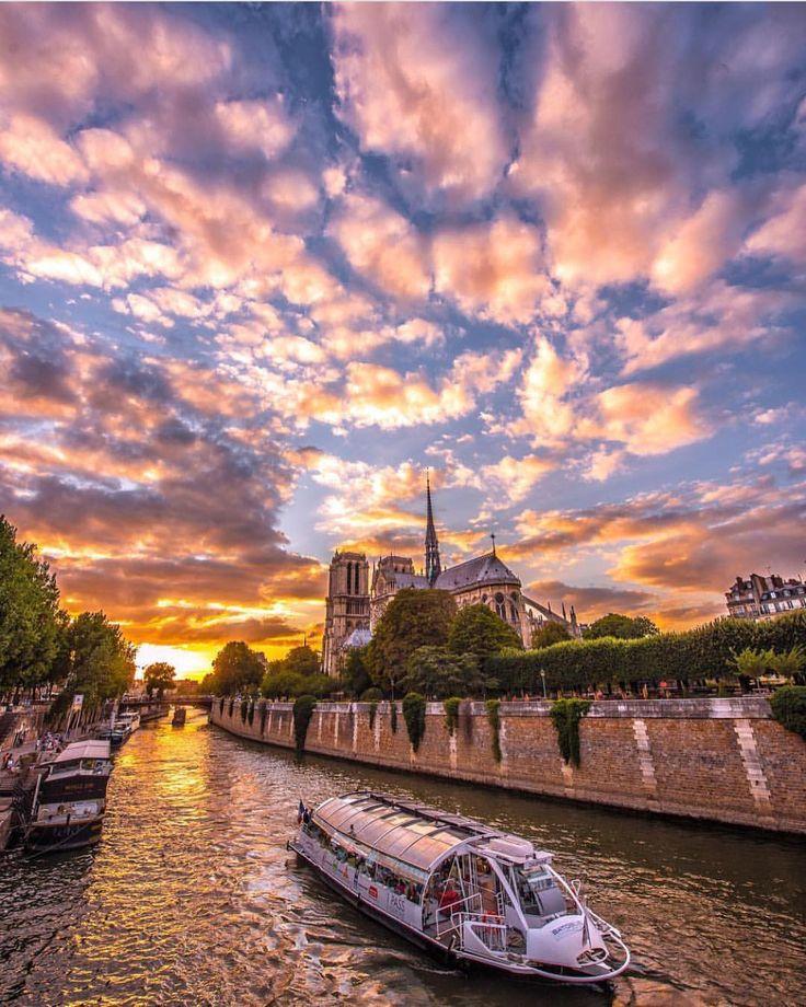 いいね!158.1千件、コメント822件 ― Wonderful Placesさん(@wonderful_places)のInstagramアカウント: 「Sunset cruise on Seine River - Paris ✨💜💜💜✨ Picture by ✨✨@cbezerraphotos✨✨ . #wonderful_places for a…」