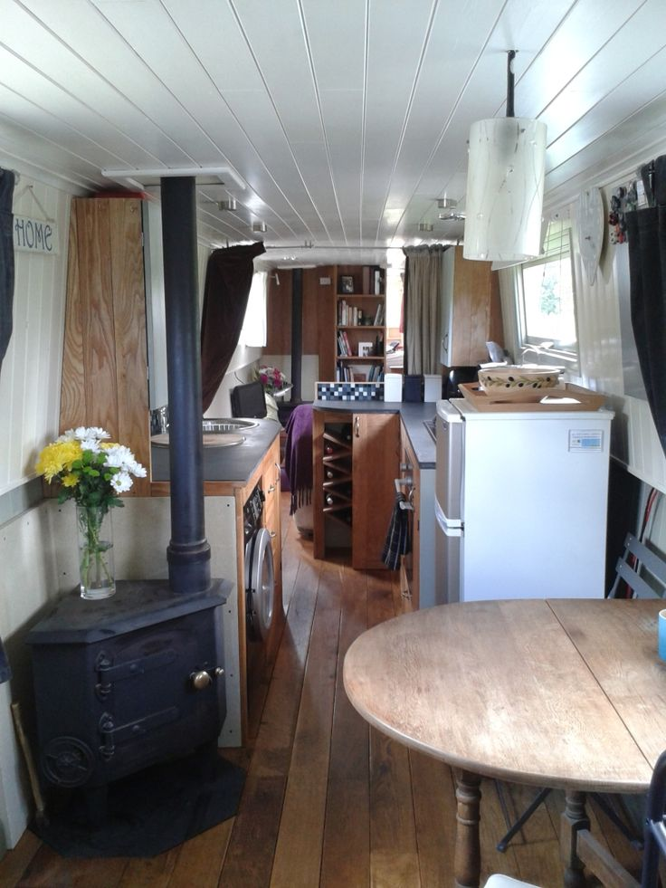 64ft Cruiser Stern,Narrow boat Nicely decorated, also two wood burners!