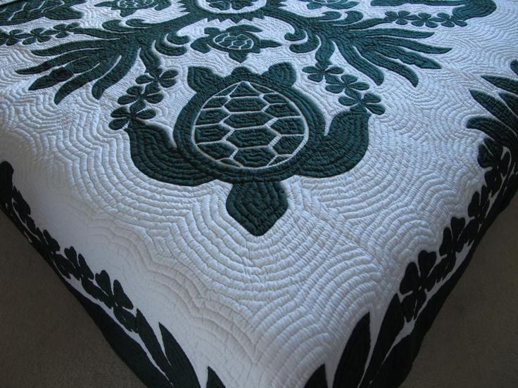 Sea Turtle Quilt Pattern | Copyright ©2014 Hawaiian Quilt Wholesale