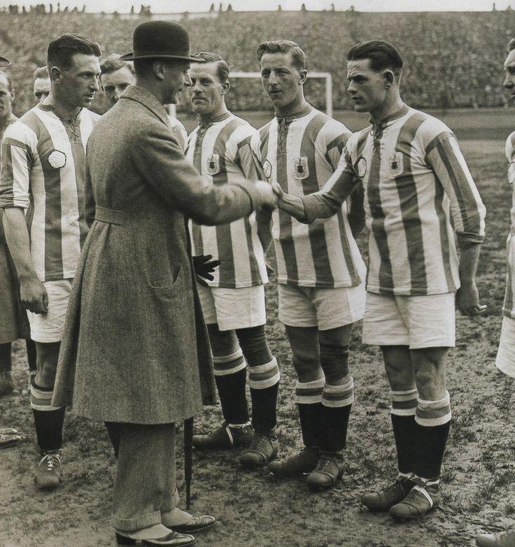 HUDDERSFIELD TOWN - 1922 FA CUP FINAL 10X8 PHOTO (1)