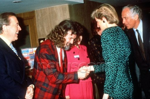 1988-12-01 Diana meets Billy Connolly at the Birthright Anniversary Appeal Luncheon, Royal Lancaster Hotel, London