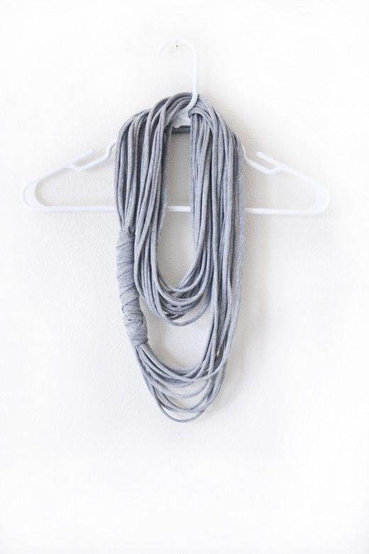 DIY tshirt scarf: Tees Shirts, No Sewing, Diy Scarfs, Gifts Ideas, Tshirt Scarfs, T Shirts, Multi Strands, Christmas Gifts, Diy Christmas