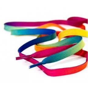 Trop beaux ! :D http://www.nomadeshop.com/nouveautes/rollers/rollers-quad/rio-lacets-180-mm-rainbow-14342.html