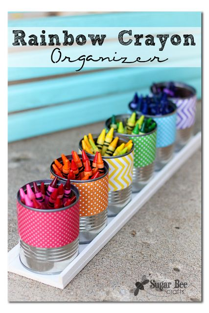 rainbow-crayon-organizer.png 427×640 pixels - glue cans to wood tray (balsa wood from Michael's). Each can is wrapped with scrapbook paper that corresponds to color of crayons. Good organization for the classroom.