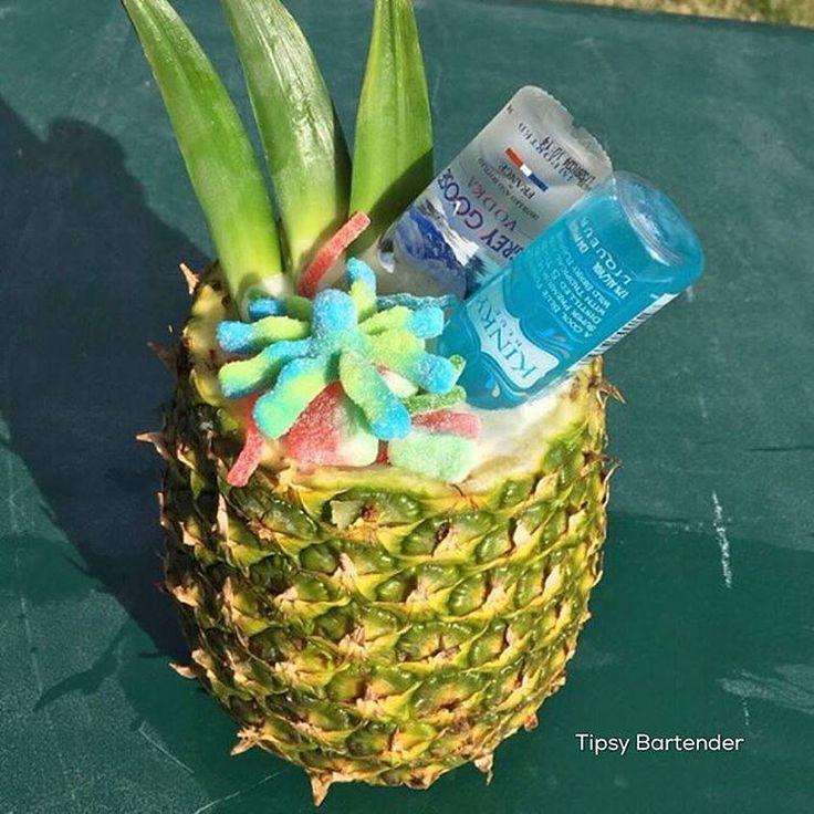 TROPICAL EXPRESS 2 oz. (60 ml) Strawberry Rum 2 oz. (60 ml) Pineapple Rum 1 oz. (30 ml) Peach Schnapps 2 oz.(60 ml) Strawberry Lemonade 3 oz. (90 ml) Pineapple Juice Mini Grey Goose Bottle Mini Kinky Blue Bottle Gummy Strings Watermelon Gummies Octopus Gummies