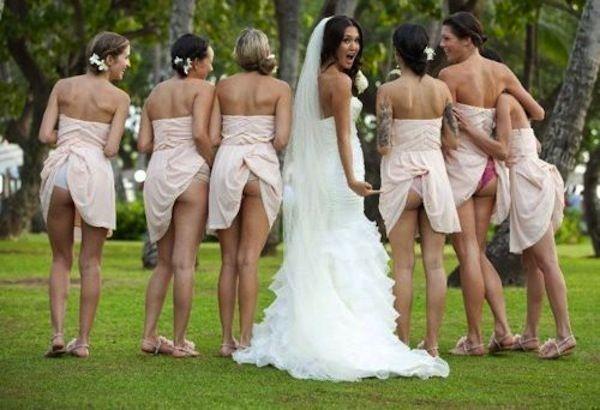 Awkward #wedding photo or cute idea? Bridesmaids flashing their butts!