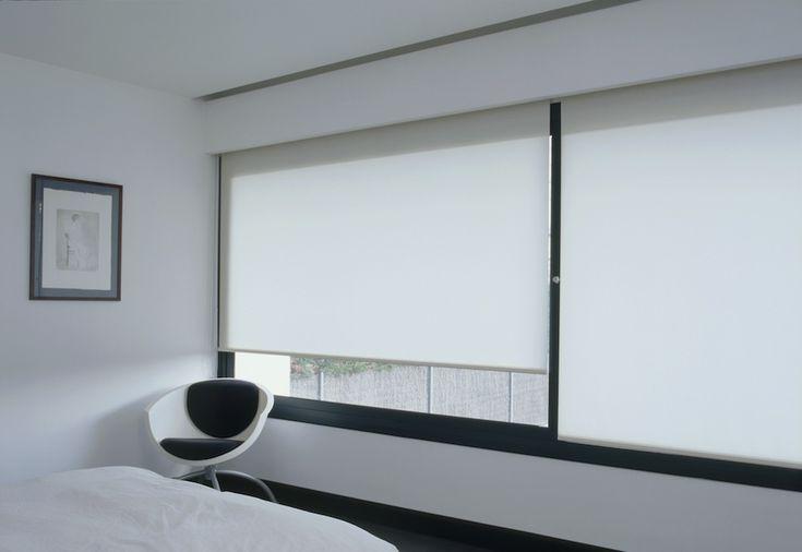 Rolgordijnen XL semi transparant | interieur | Rolgordijnwinkel.nl | Vraag nu gratis kleurstalen aan.