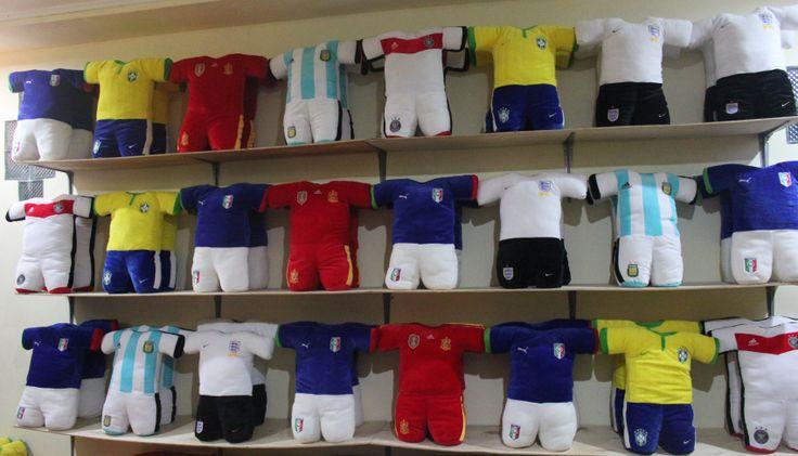 Kami Memproduksi Aksesories Sport (club bola,worldcup & motorgp)  dan menerima pesanan untuk design sendiri..  Harga dijamin Murah  Silahkan Kunjungi http://tokobam.wix.com/tokobamcom  Pin BB 752EA855 / HP 088211451388