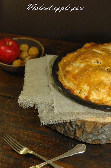 In the mood for.....: Una torta di mele e noci per celebrare l'inverno