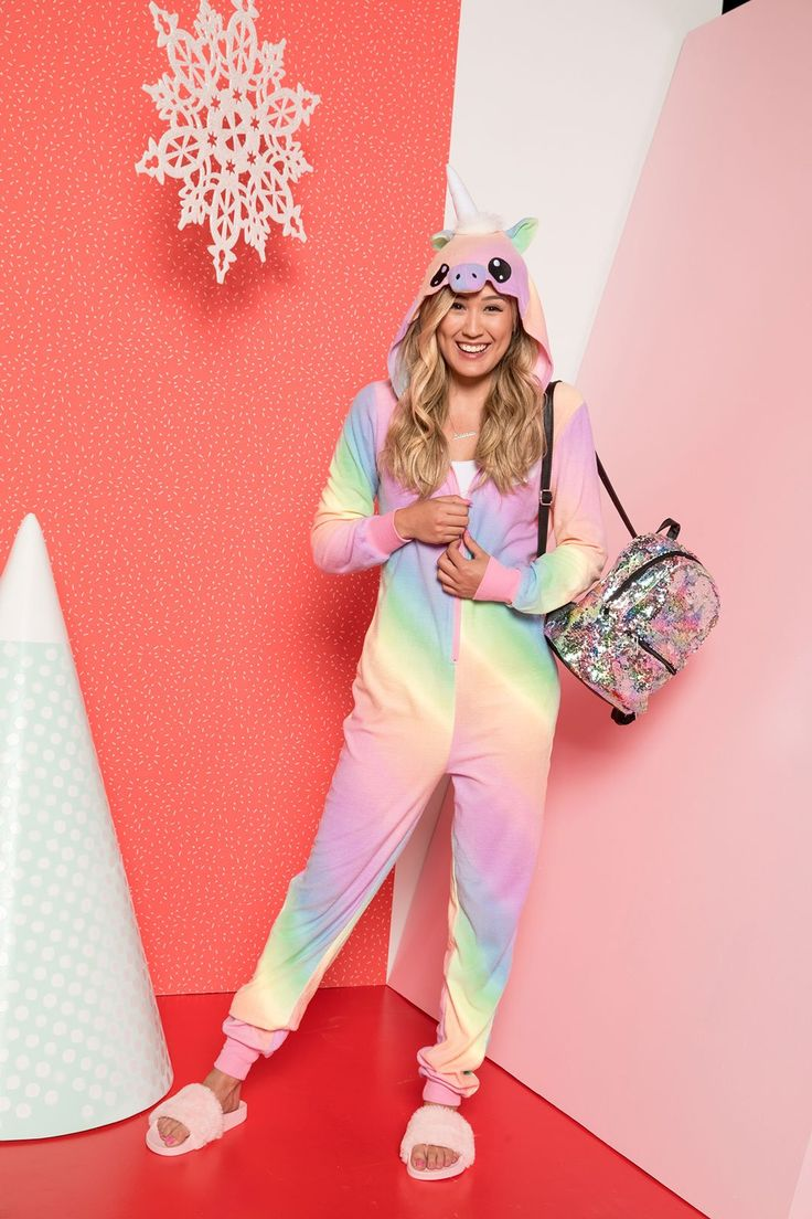 Lauren loves onesies and so do we! Like, a lot. It's time to shop the LaurDIY x Ardene onesie collection, but hurry girl – get 'em while supplies last. There's a onesie for each of your spirit…