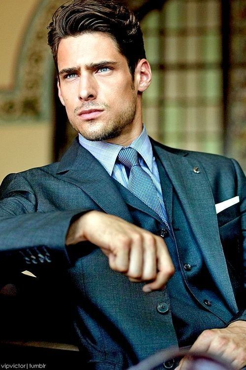 Nice classic suit and style