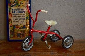 les 25 meilleures id es de la cat gorie tricycle rouge sur. Black Bedroom Furniture Sets. Home Design Ideas