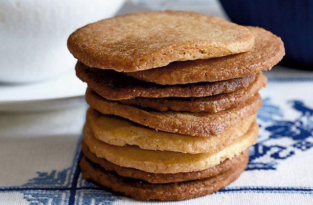 Ingefærbisciuts   Bag lækre småkager med ingefær