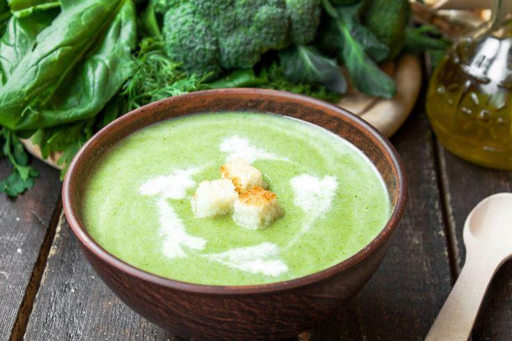 C vitamini kaynağı brokoli çorbasını kalsiyum kaynağı süt ile birleşiminden ortaya çıkan brokoli çorbası tarifi kışın bağışıklığınız için birebir.