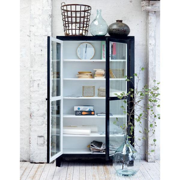 DESIGN FIELDS - House Doctor - Vitrineskab - Sort/hvid indeni - RABAT 10.000, 200 cm