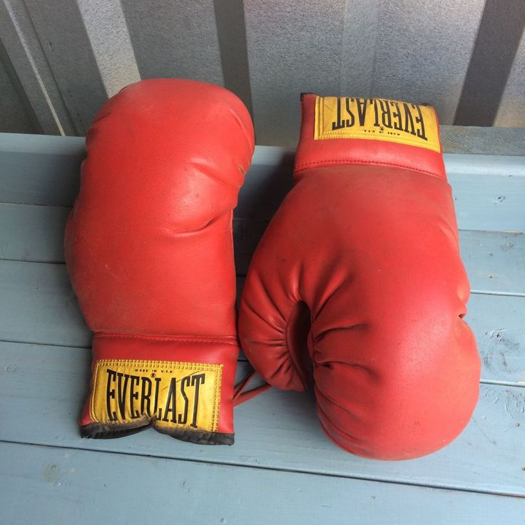 Vintage Pair of Everlast Boxing Gloves #2924 ~ Practice Size?  #Everlast