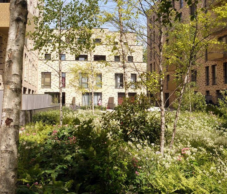 St Andrews, Bromley-by-Bow by Townshend Landscape Architects « Landscape Architecture Works | Landezine