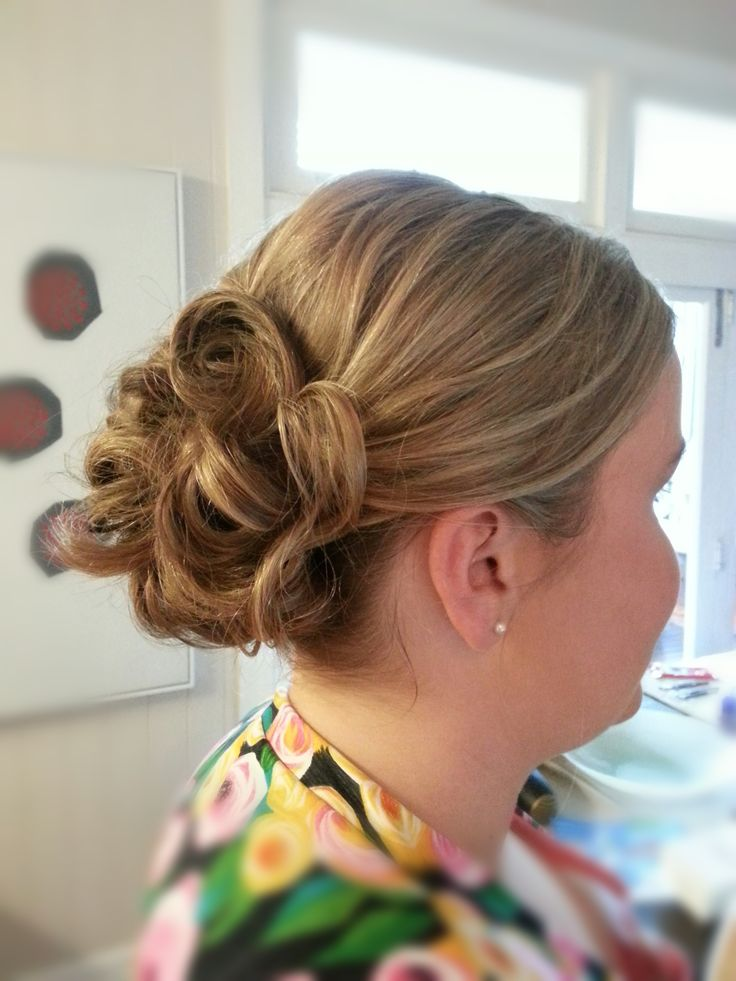 Formal hair #formal #bun #curls #upstyle